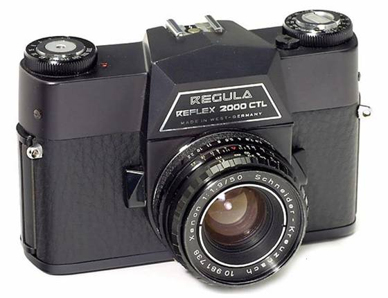 Top view. One can clearly feel the Leicaflex control position